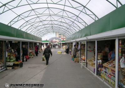 Ряды торговых роллетных киосков. г. Барановичи